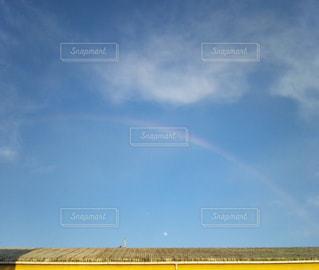 空に虹の写真・画像素材[1364666]