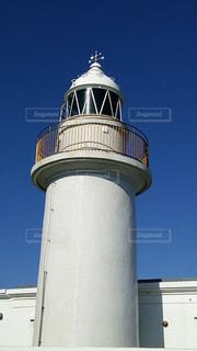 近くの塔のアップの写真・画像素材[1369541]