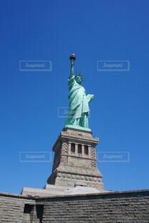 近くから見た自由の女神の写真・画像素材[1364816]