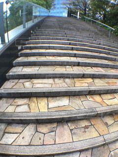 アンティークな感じの階段の写真・画像素材[1596338]