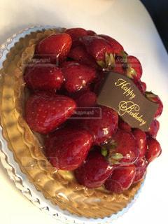 皿の上の果物のボウルの写真・画像素材[2388616]