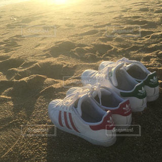 Beach and sneakersの写真・画像素材[1367169]