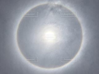 ハロ現象の写真・画像素材[1365590]