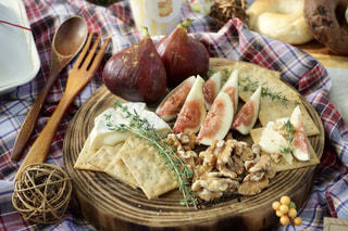 秋のフルーツピクニックの写真・画像素材[2442359]