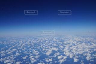 空に浮かぶ雲の写真・画像素材[2707480]