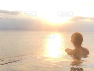 絶景露天風呂の写真・画像素材[1375921]