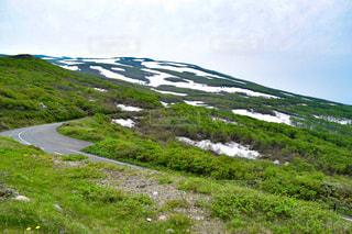 鳥海山ブルーラインから眺める冠雪風景の写真・画像素材[1367779]