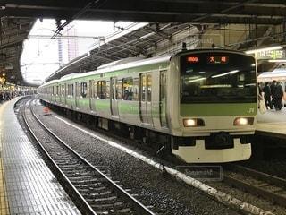 列車が駅に引いての写真・画像素材[1045663]