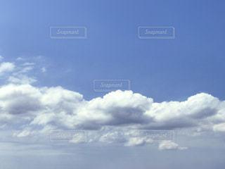 初夏の雲の写真・画像素材[2256495]