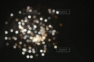 花火をピントをわざとぼかして撮影の写真・画像素材[1537535]