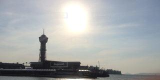 タワーと陽の光の写真・画像素材[1371351]