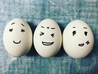 ゆで卵3兄妹の写真・画像素材[1372204]