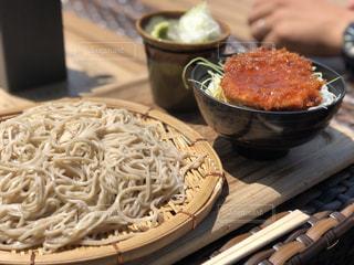 信州蕎麦とソースカツ丼のセットの写真・画像素材[1373260]