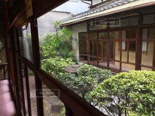 中庭がある家の写真・画像素材[2237066]