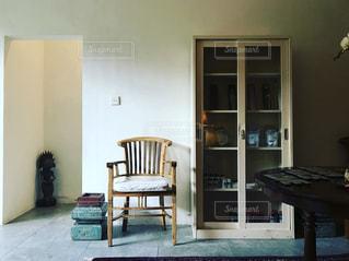 お店の椅子の写真・画像素材[1373612]