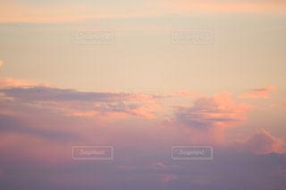 空の雲の写真・画像素材[2432438]