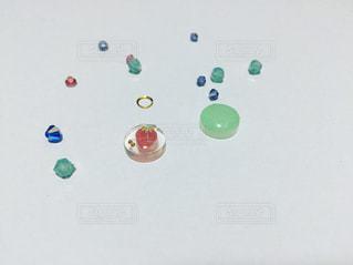 いちごのアシンメトリーモチーフの写真・画像素材[1375501]