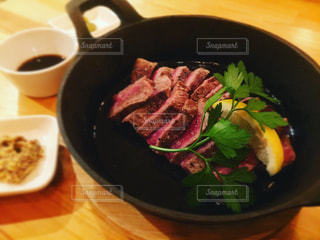 赤身肉のステーキの写真・画像素材[1388335]