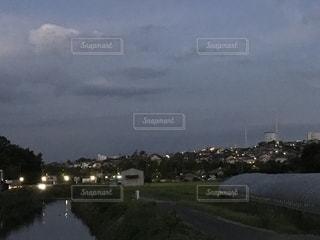 夕暮れの街の遠景の写真・画像素材[1417644]