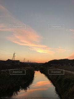川面の夕映えの写真・画像素材[1639115]