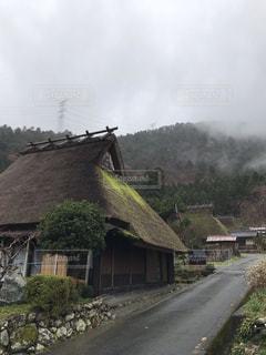 かやぶき屋根の家並みの写真・画像素材[1669473]