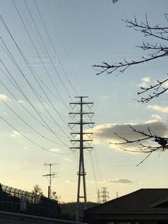 送電鉄塔と夕映えの写真・画像素材[1723728]