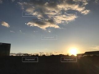 夕日と夕映えの写真・画像素材[1725683]