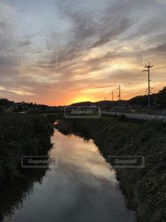 山田川の夕映えの写真・画像素材[2506375]