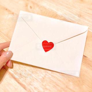 ハートの封筒の写真・画像素材[1447534]