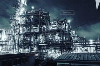 それから出てくる煙と工場の写真・画像素材[1484165]