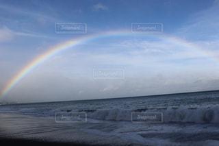 嵐の前の虹の写真・画像素材[1378086]
