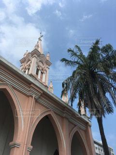 ピンクな教会の写真・画像素材[1378454]