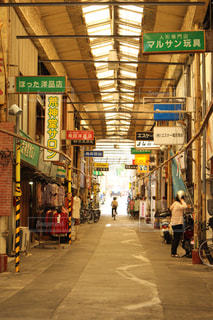 古き良き商店街の風景の写真・画像素材[1384879]