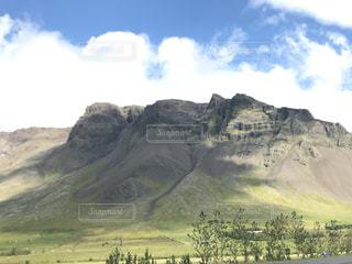 アイスランドの山と空の写真・画像素材[1421369]