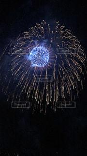 空に花火の写真・画像素材[1380883]