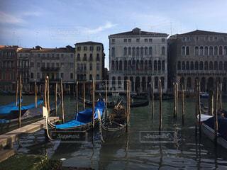 ベネチアのゴンドラの写真・画像素材[1383371]