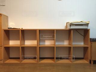 木製の棚の写真・画像素材[1395009]