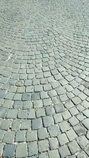 れんが造りの壁の屋根の写真・画像素材[1385200]