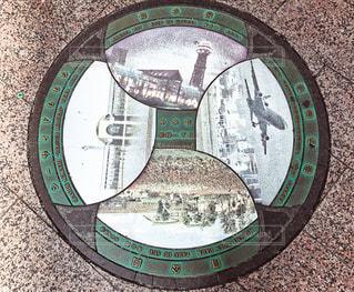 マンホールの標識の写真・画像素材[1410573]