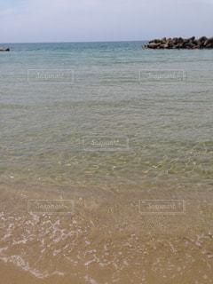 穏やかな海の写真・画像素材[1383436]