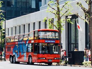 赤いバスの写真・画像素材[1399394]