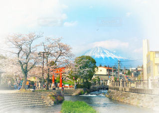 富士山と川の写真・画像素材[2303376]