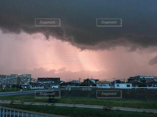 ゲリラ豪雨の前触れの写真・画像素材[1392117]