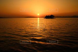 宍道湖の夕日の写真・画像素材[1386152]