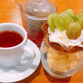 紅茶とデザートの写真・画像素材[1425413]