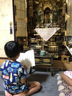 お盆の祈りの写真・画像素材[1392240]