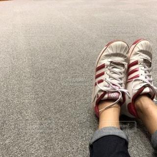 体育館フロアで休息の写真・画像素材[1417582]