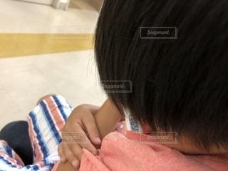 病院の待合室で体温測定の写真・画像素材[1440738]