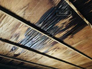 古い家の雨漏りの天井の写真・画像素材[1456487]