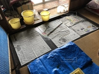 古い家の雨漏りの写真・画像素材[1456488]